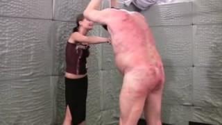 Bestrafung für einen älteren Perversen bei perversefrage