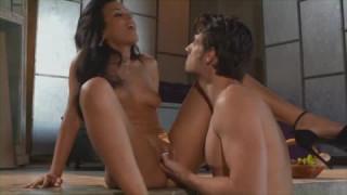 Layla Sin spürt den harten Schwanz in ihr drin bei porn300
